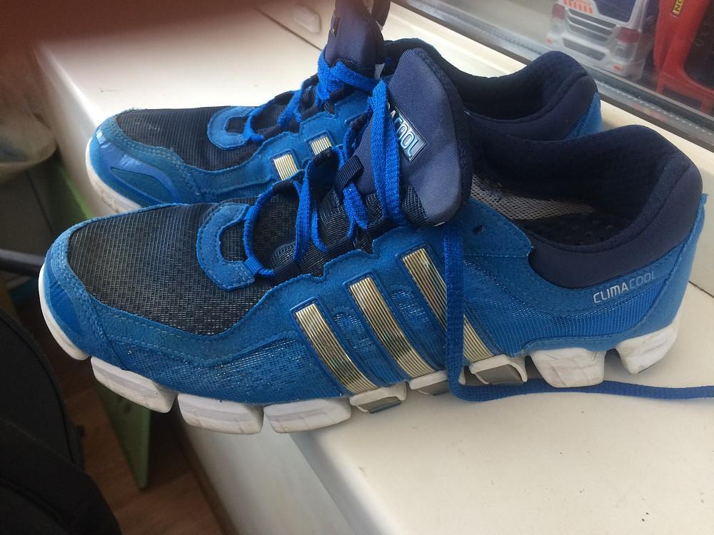 Продам кроссовки adidas 1500₽Продам кроссовки adidas 1500₽
