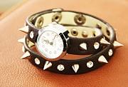 Женские часы - браслет с шипами и стразами, черные, #255 Донецк