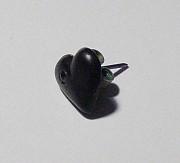 Серьга-гвоздик чёрное сердце с камнем. Цена 35 руб. Макеевка