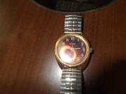 Продам часы наручные на браслете,не исправны,сделаны в СССР