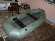 Надувная резиновая лодка Лисичанка или похожую .